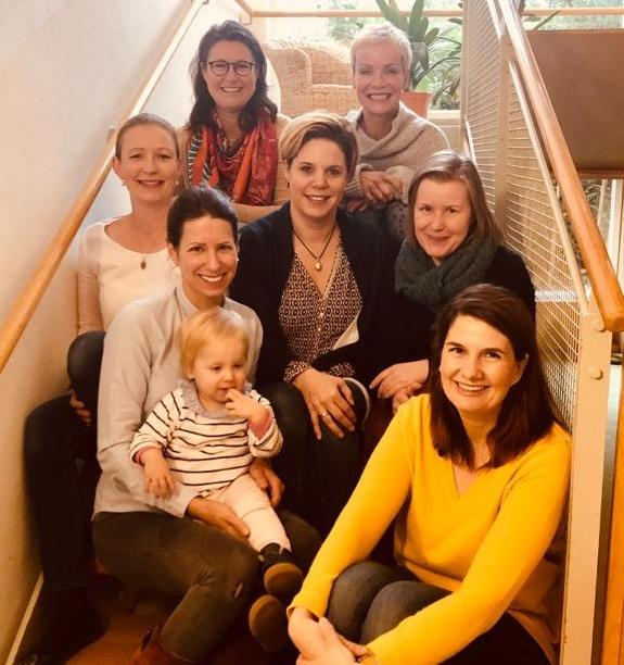 Von oben rechts nach unten links: Claudia Schädler, Nadine Rapp, Julia zu Putlitz, Sybille Hohnhaus, Heidi Pause, Stephanie Pohlhausen, Julia Hoffstaedter